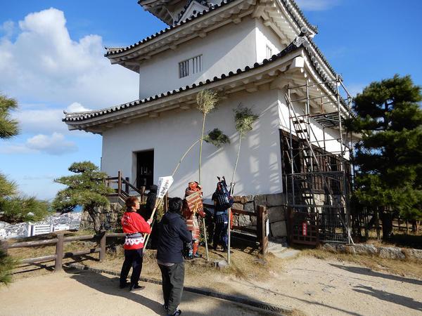 20171213丸亀城すす払い.jpg